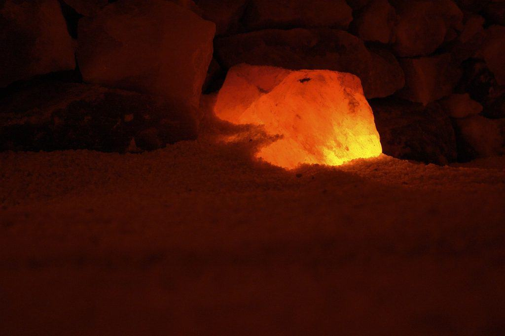 la le en cristal de sel de l himalaya bienfaits arnaque ou danger hannibal frugal