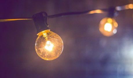 Ampoule lumière laissée allumée
