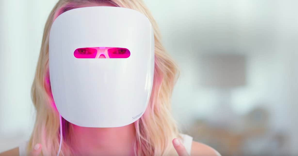 Masque de luminothérapie neutrogena contre l'acné